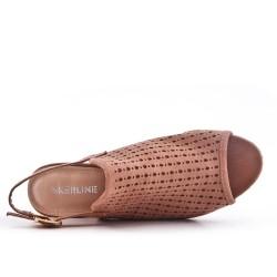 Sandale rose en simili daim perforé