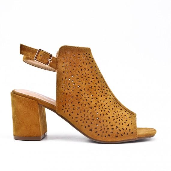 Sandale camel en simili daim perforé