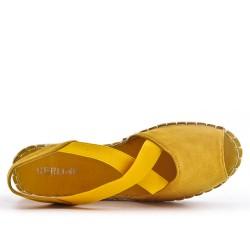 Espadrille jaune en simili daim à dos ouvert