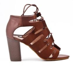 Sandale marron en simili cuir à talon