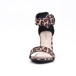 Sandale léopard en simili daim à boucle