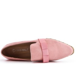 Pink moccasin in faux suede with bow