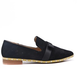 Black moccasin in faux suede with bow