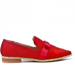 Red loafer in faux suede with bow