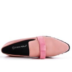 Mocasín en imitación cuero rosa con lazo