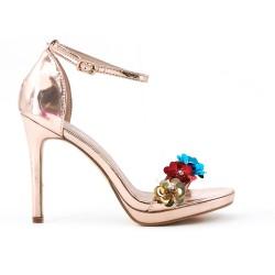 Sandale champagne en vernis à fleurs