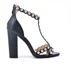 Sandale noire à perles
