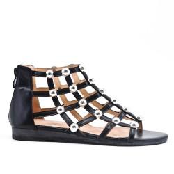 Sandalia plana de perlas negras