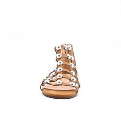 Sandalia plana de perlas camel