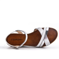 Sandale blanche en simili cuir à petit compensé