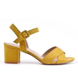 Sandale jaune en simili daim à talon