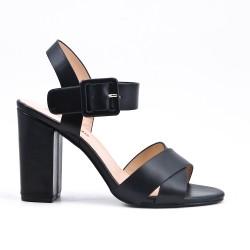 Sandale noire en simili cuir à boucle