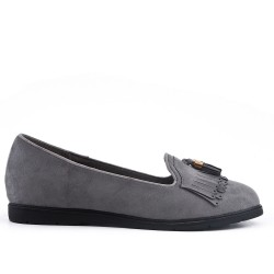 Gray moccasin in faux suede with bangs