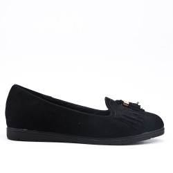 Black moccasin in faux suede with bangs