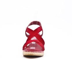 Sandale rouge à élastique avec talon compensé
