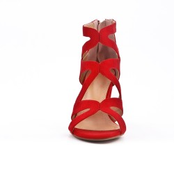 Red sandal with heel and zipper