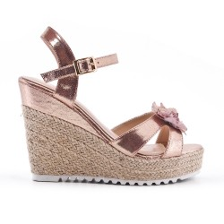 Champagne wedge sandal with flower