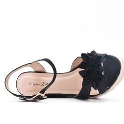 Sandale noire compensée à fleur