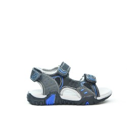 Child sandal with scratch