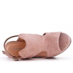 Sandalia de cuña de gamuza sintética rosa