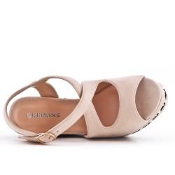Sandale beige en simili daim à talon compensé