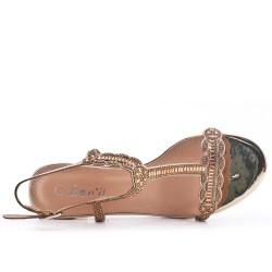 Sandale dorée ornée de strass à talon