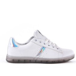 White sneaker with lace