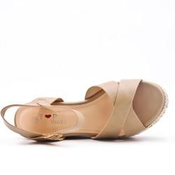 Sandalias de cuña beige
