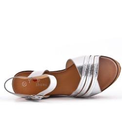 Sandalia cuña plata