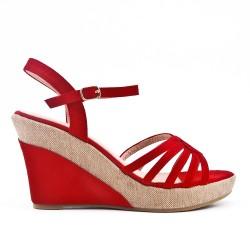 Sandale rouge à talon compensé