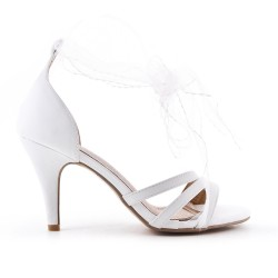 White ribbon sandal