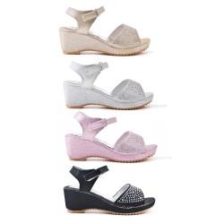 Girl sandal with rhinestones
