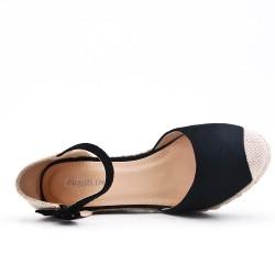 Disponible en 7 colores -Sandalia con cuña y suela de zapatillas