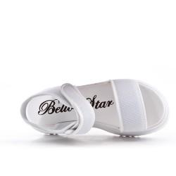 Sandale blanche à semelle crantée