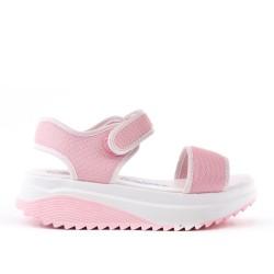 Sandale rose à semelle crantée