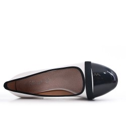 Big Size - Two-Tone Low Heel Pump