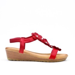 Red wedge sandal with flowers
