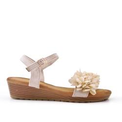 Sandalia cuña beige con flores