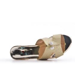 Sandalia mula oro con tacón