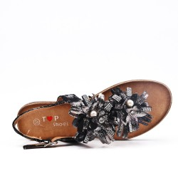 Black flat sandal with flowers
