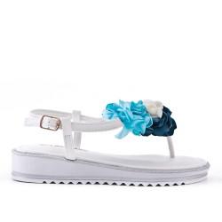 Sandalia plana blanco con flores