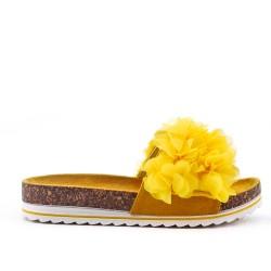 Aleta amarillo con flor