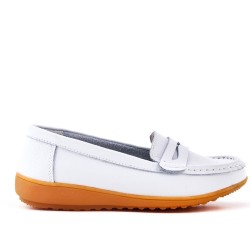 White comfort mocassin in faux leather