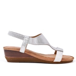 White faux leather sandal with small wedge