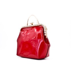 Handbag in varnish