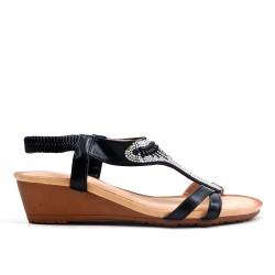 Sandalia negra con strass y cuña pequeña