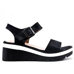 Sandale noire à semelle compensée