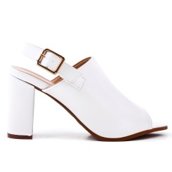 Sandalia de piel imitación blanco con tacón