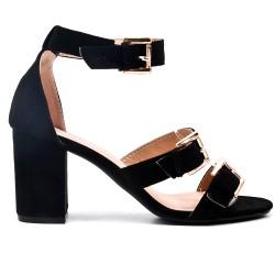 Sandalia negra con correa de piel sintética