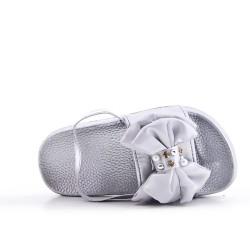 Zapatilla de niña plata con lazo